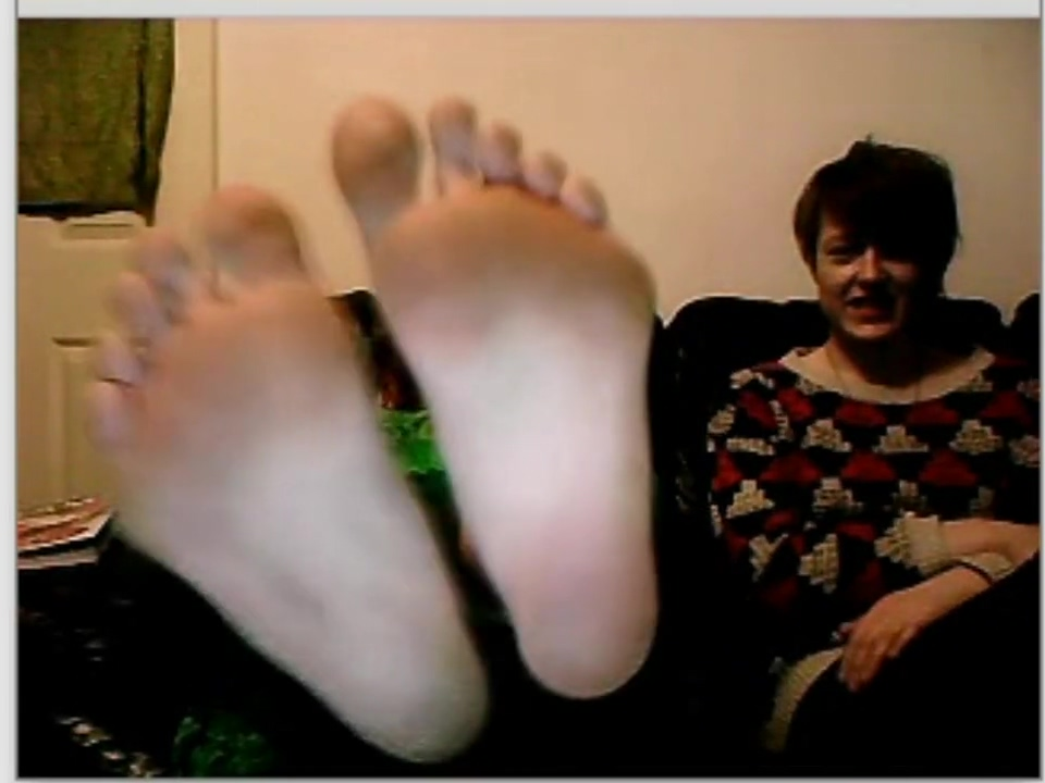chatroulette girls feet 147 Random porn pictures