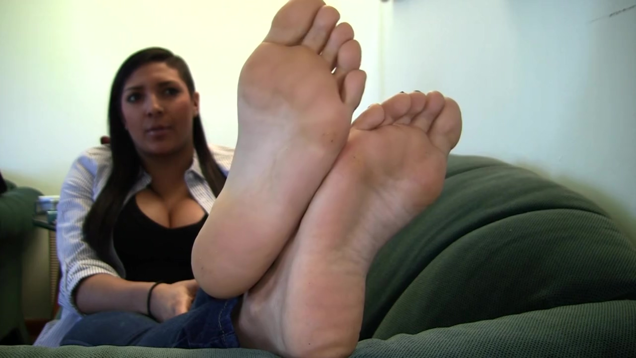 Victorias Candid Stinky Soles Part 30 Calista tools reviews