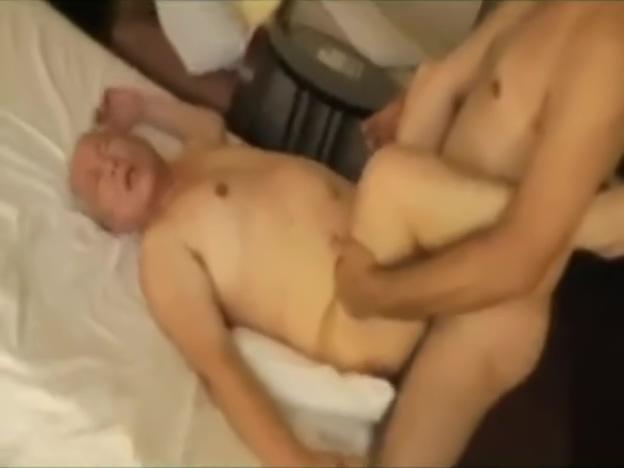 Japanese OldMen GoodFuck Amatures naked at work