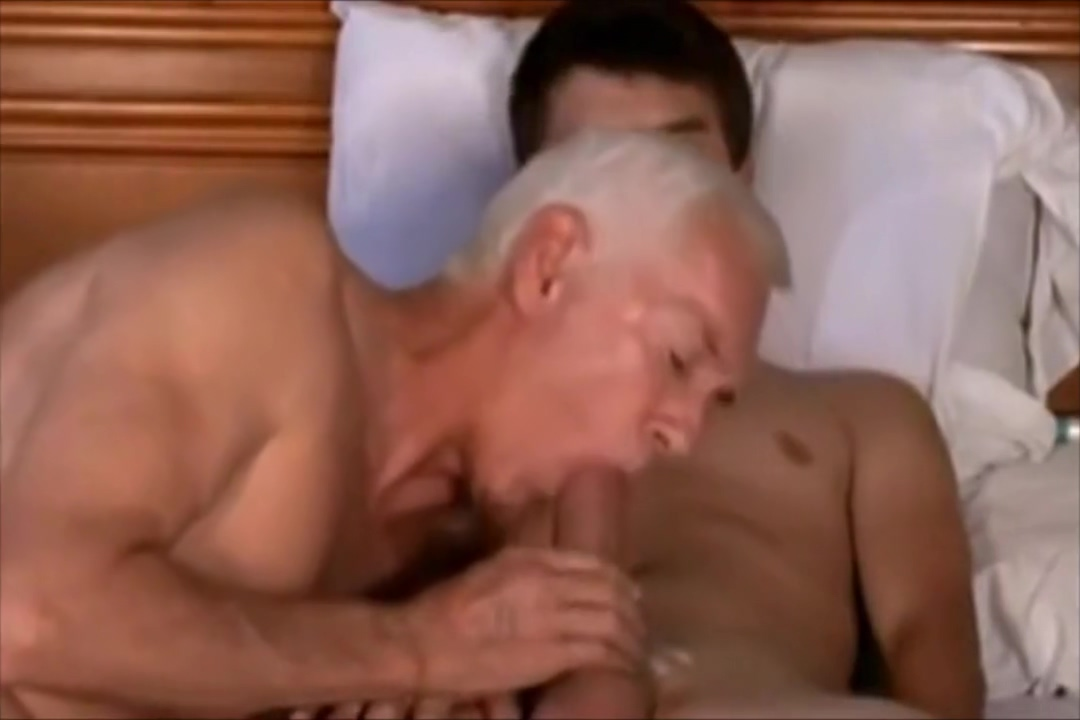 Baise entre gays de trois generations differentes old woman shaved pussy