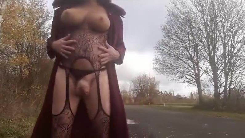 Outdoor with my mask But naked selena gomez