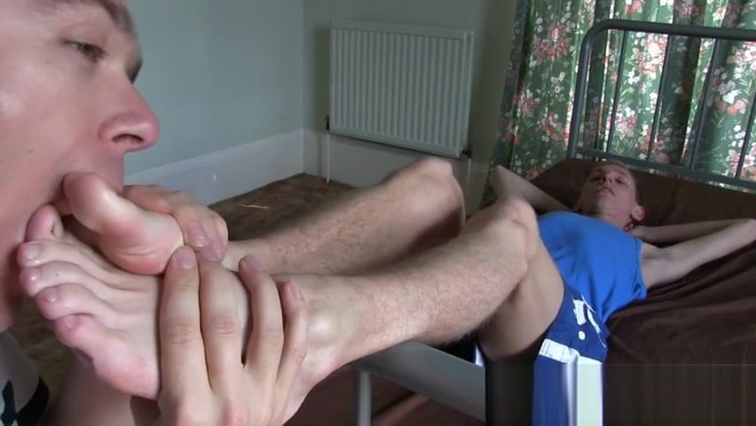Cute twink got his feet worshipped after anal fistula surgery