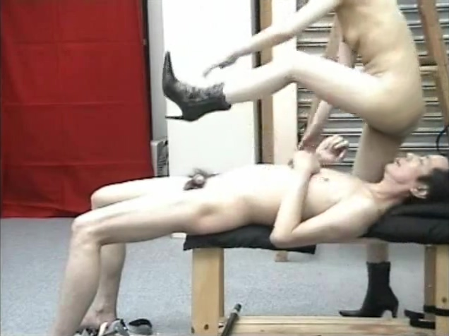 Ballbusting oo Turn wife on to porn