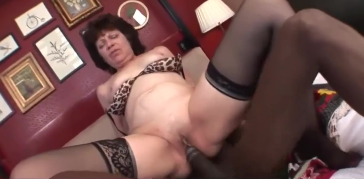 Brunet grandma anal fuck Nude wife with curves and hairy pussy orgasm