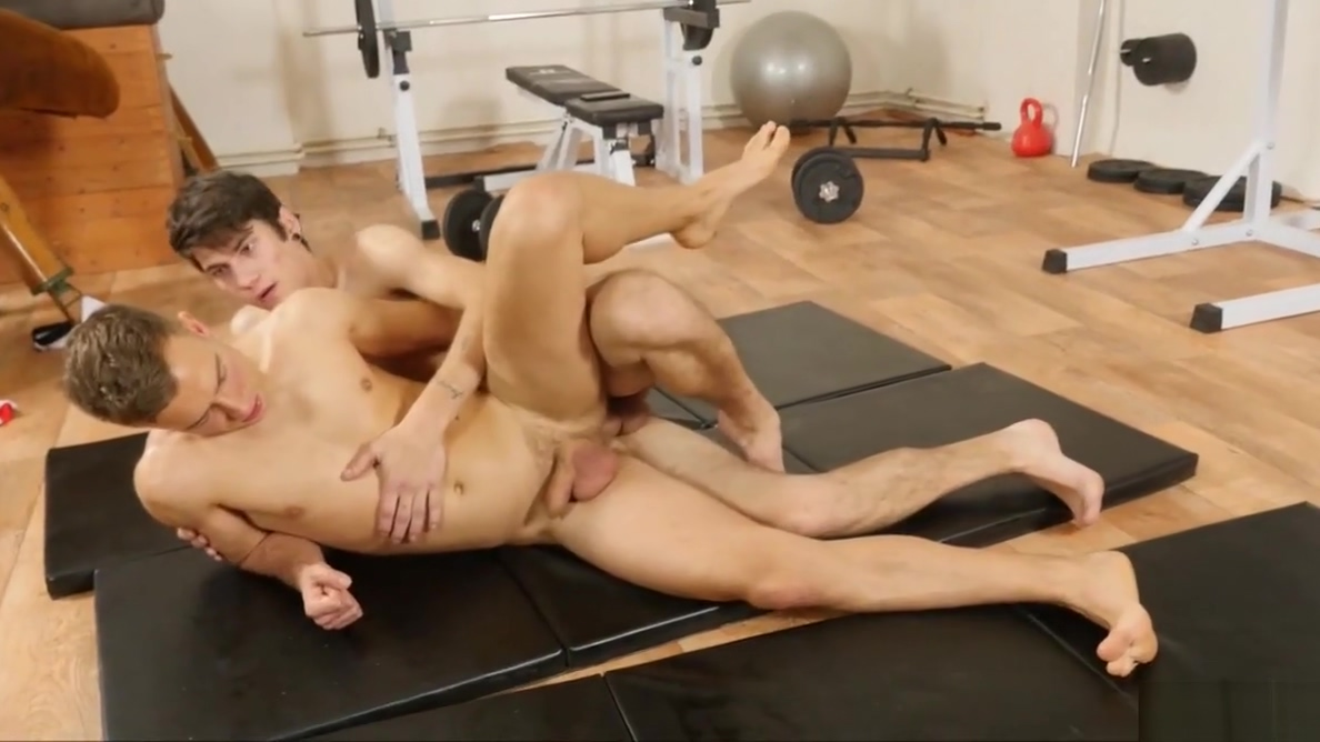 Two Real Hot Dudes Enjoyed Sucking Big boobs korean lick penis and interracial