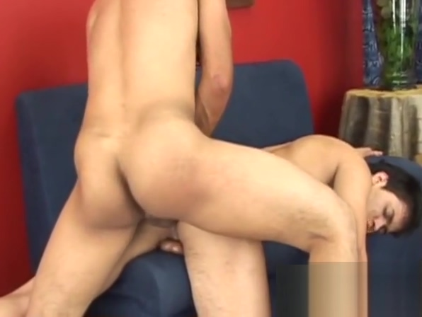Hung latino twink dicks his friend while he sprays big load African pyssy