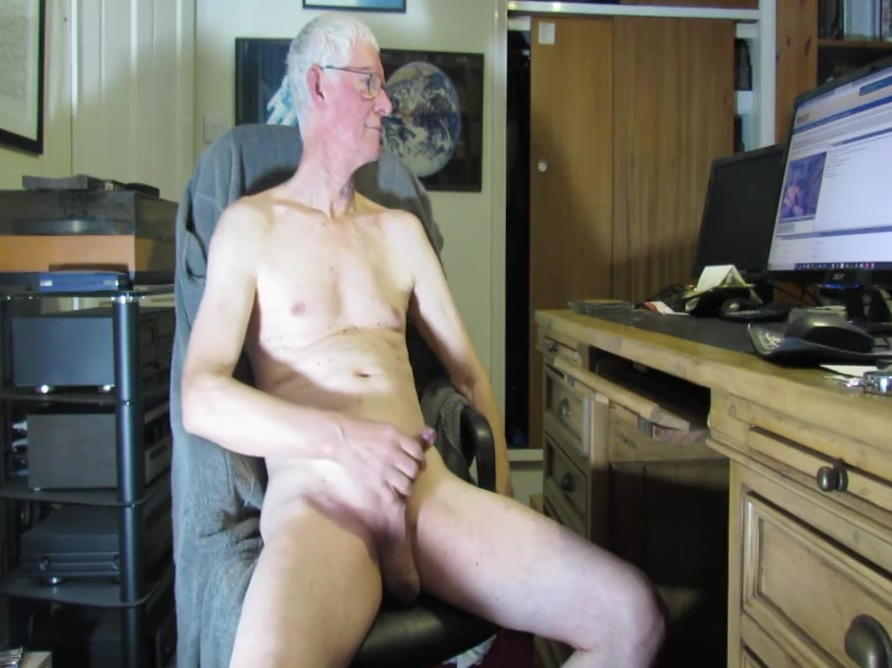 Nearly caught wanking on camera by the wife Www hot girl