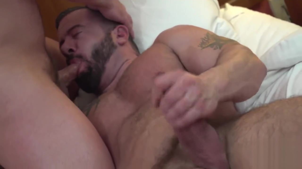 Daddy bear Gexo sexy blowjob
