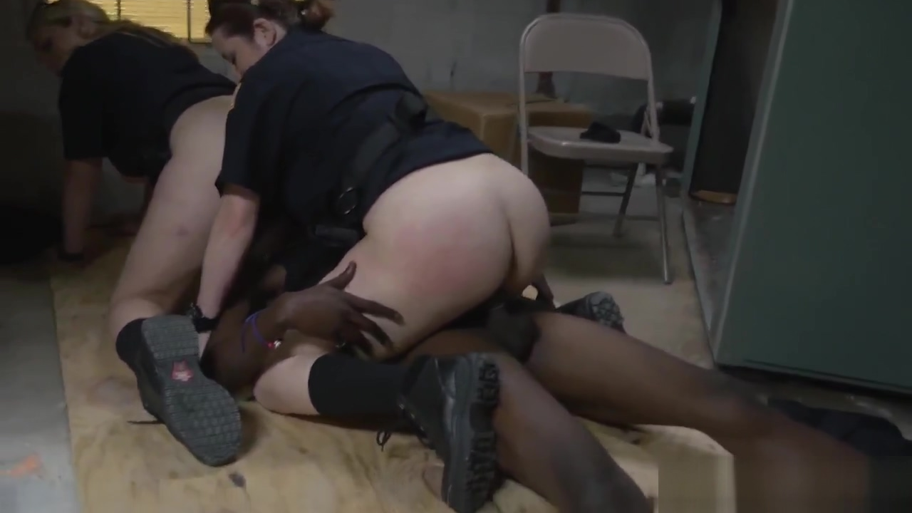 Milf fucks friend in bath and homemade white pussy bbc and hot milf Hookup on earth (dbsk) / 2020 izle