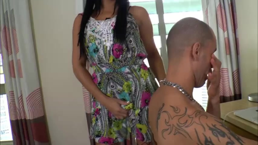 правило, транс латинос навалил парню в рот девочки