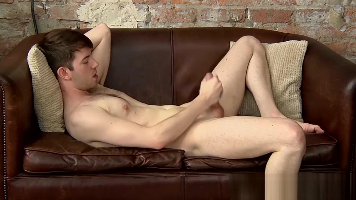Handsome homo Harley Jordon wanks off after interview bottom round roast aka