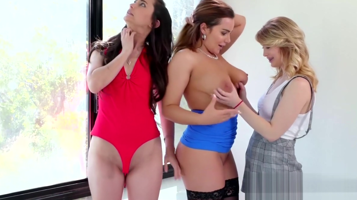 Dykes Georgia Jones and Anastasia Knight bang in the office Mature provider florida