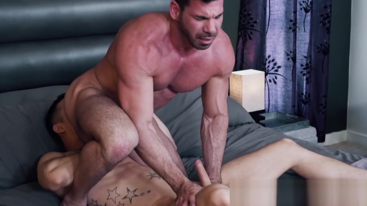 Juicy muscular hunk anally drilled by a young inked jock Altamirano mexico