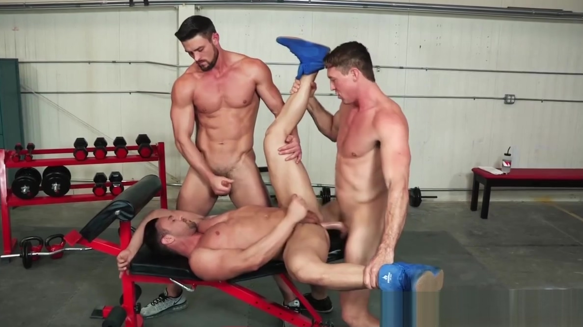 HotHouse Ryan Rose Cumshot For 2 Of His Boys At The Gym Big ass black business woman
