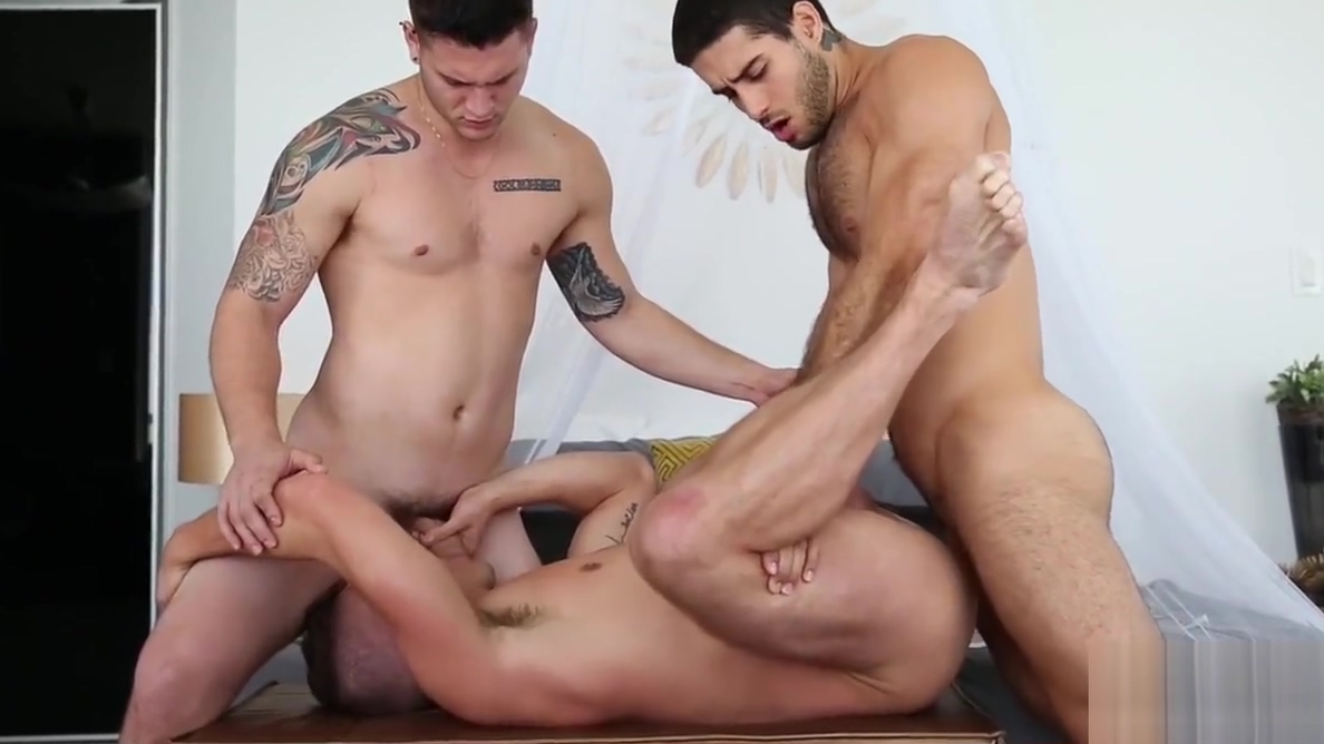 Bottom jocks take turn being ass plowed by a handsome guy Sexy cute dresses