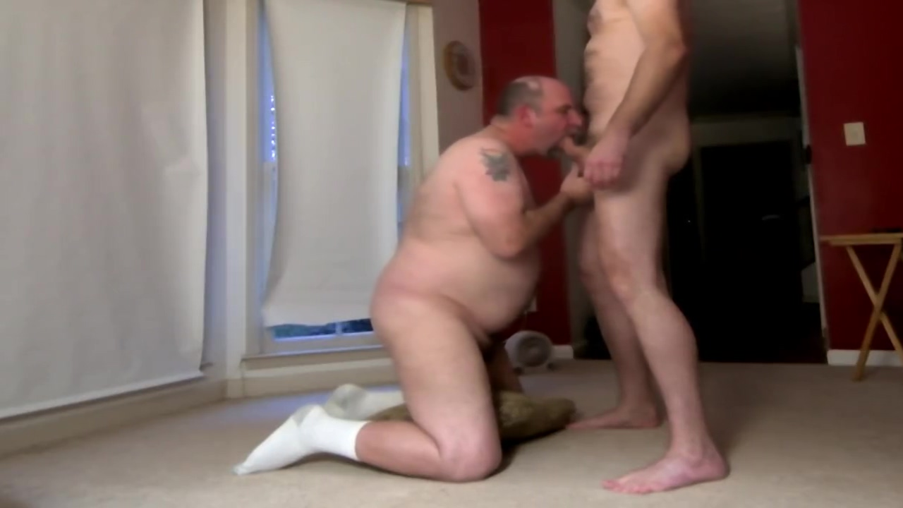 Old dude sucks my cock dry. Men give better blowjobs. fucking my friends mum