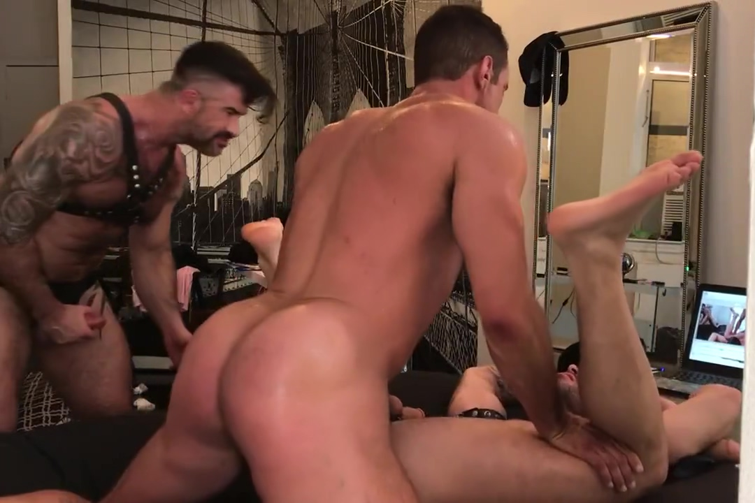 Hairy Muscle 3some Cum face free her