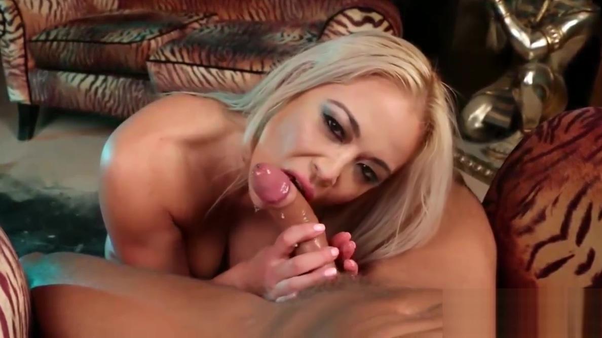Mia Lelani smokes an E-Cigarette and a cock in a hot POV BJ