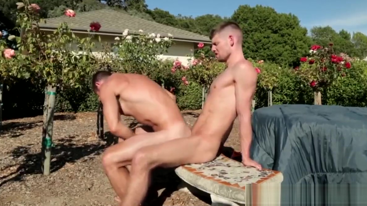 Athletic stud rimmed and assfucked outdoors Redhead Linda fucked by dude