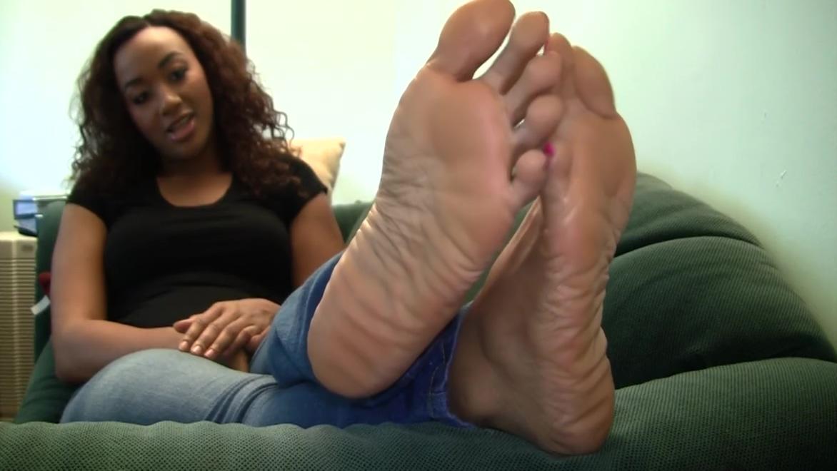 Naomis Candid Stinky Soles Part 6 Brunete fuck videos