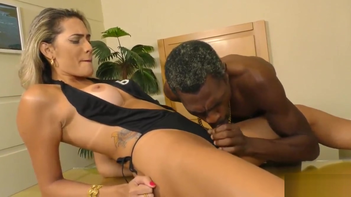 Black Guy Sucks Shemale Cock and Fucks Her Ass Dais Y Marie Anal
