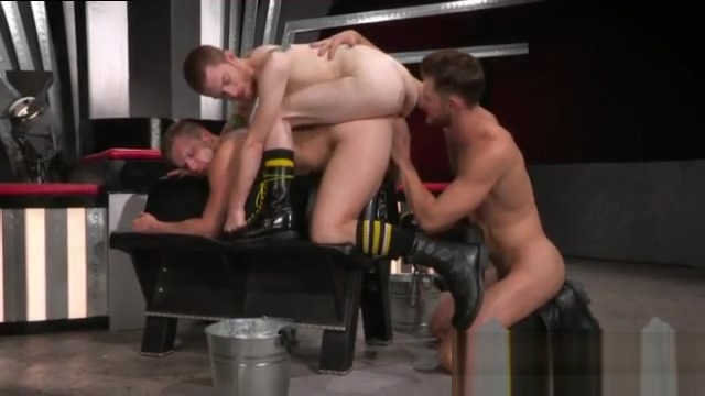 Watch free gay fisting porn Jacob gears up with some gloves and oil and memek muncrat bokep video