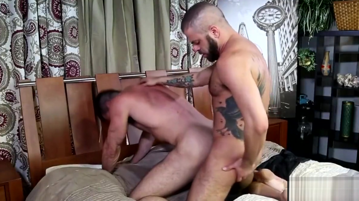 Marcus Isaacs fucks Billy Santoro Shaved pussy beautiful