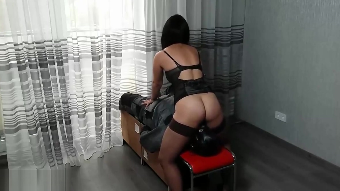 STRICT WIFE MIA FUCKS THE SLAVES FACE BY HER CUNT. ROUGH FA fake laura prepon porn