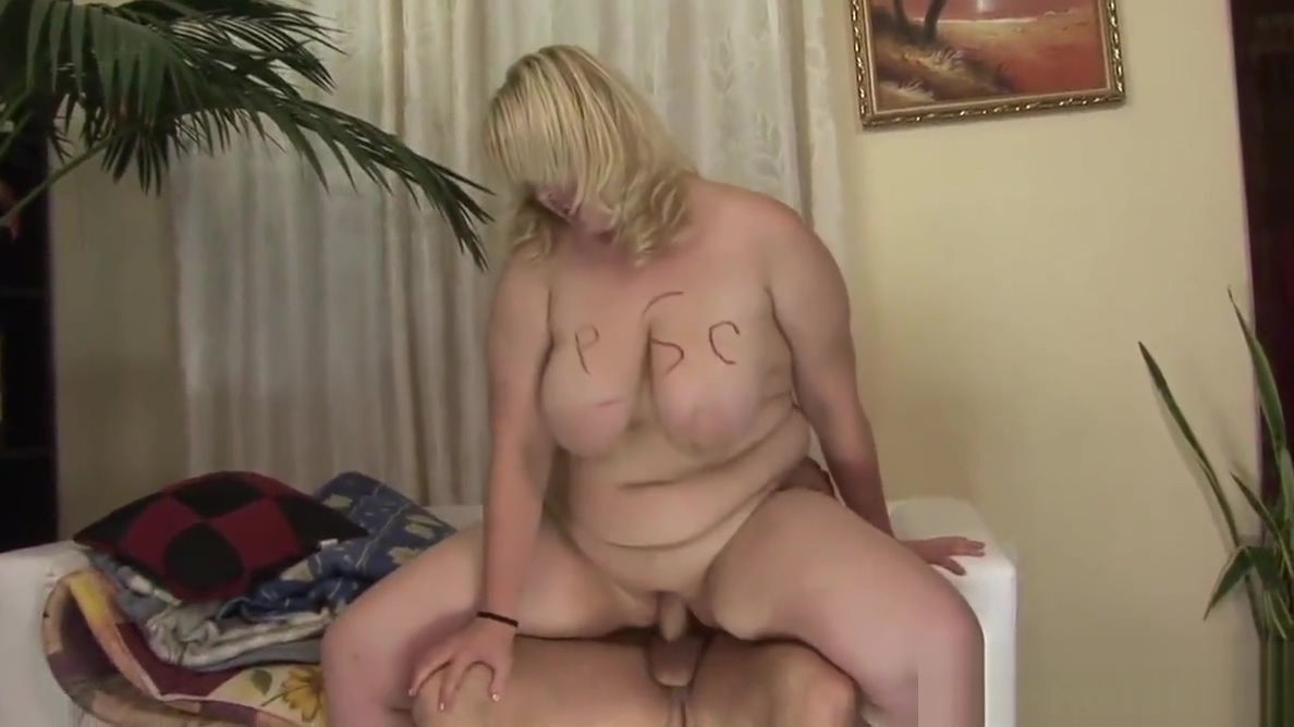 Jumbo Milf 17 Eating Hairy Pussy And Assholes