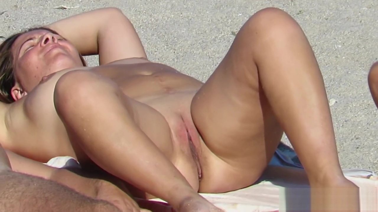 Gorgeous Amateur Nude Beach Voyeur Close Up Pussy Sex on nude beaches