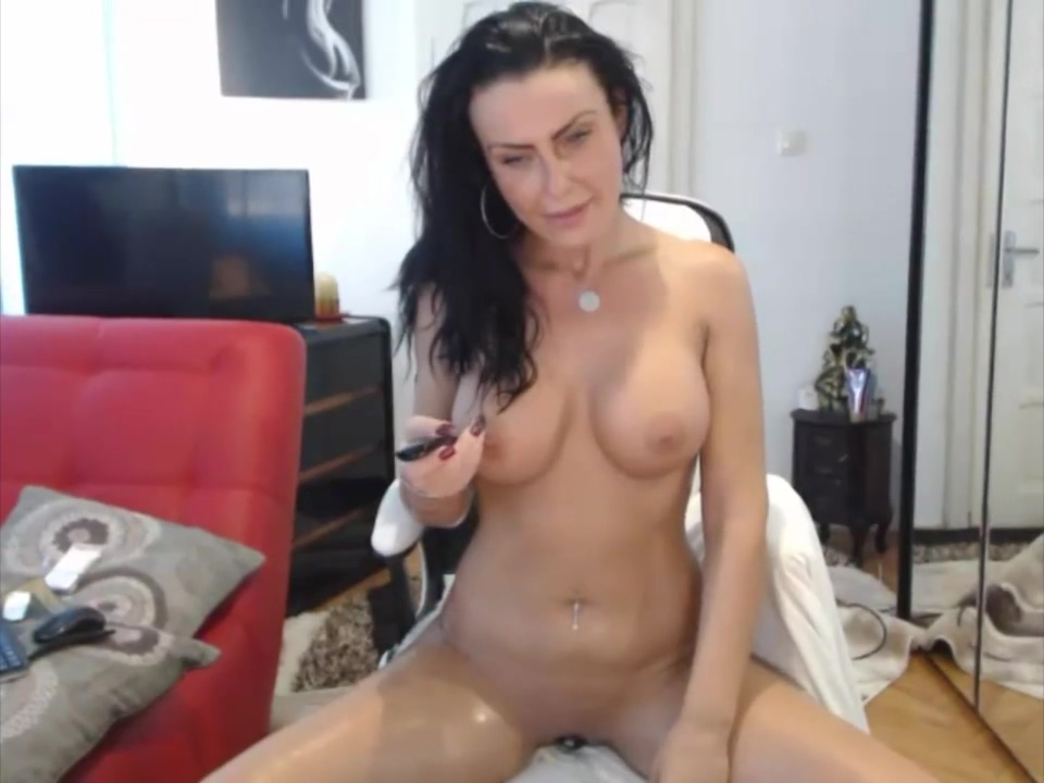 Unforgettable kin Squirts Her Creamy Cum Orgies With Lesbians