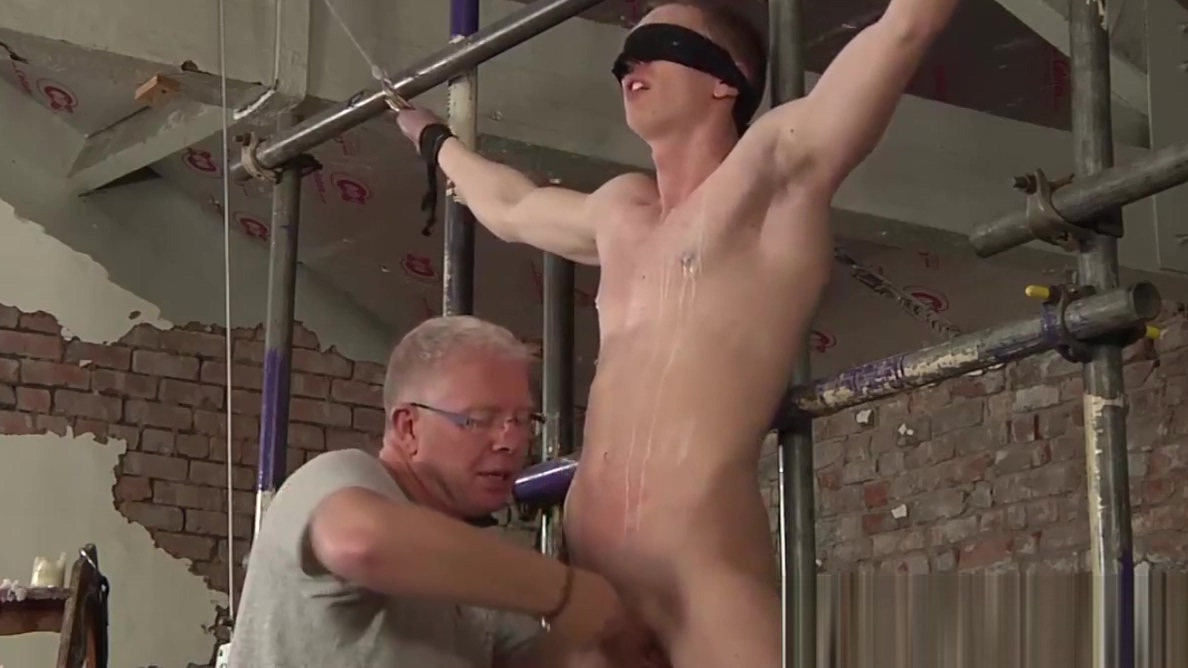 Blindfolded sub twink gets a handjob by mature perv hot country girls porn