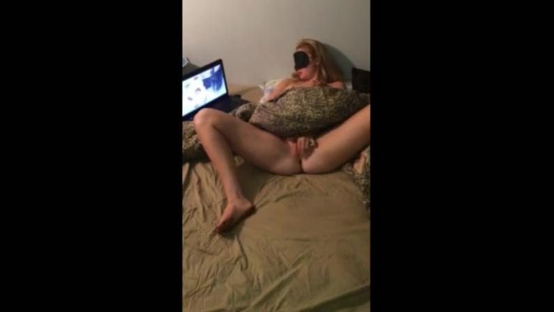 Masturbating while watching porn cumpilation 01