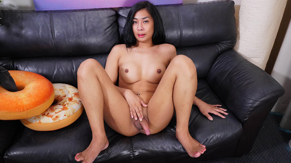 Lovely Book Cums - Ladyboy-Ladyboy