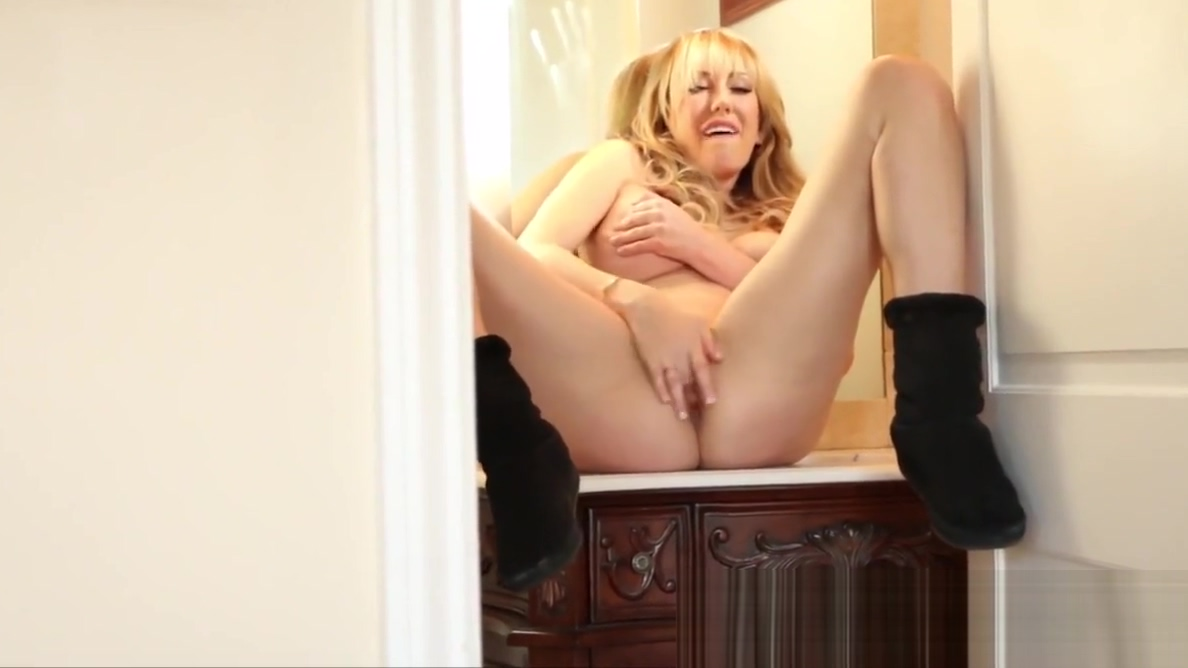 Brett Rossi does a sexy tease in her Motel Room Naomi pornstar blowjob