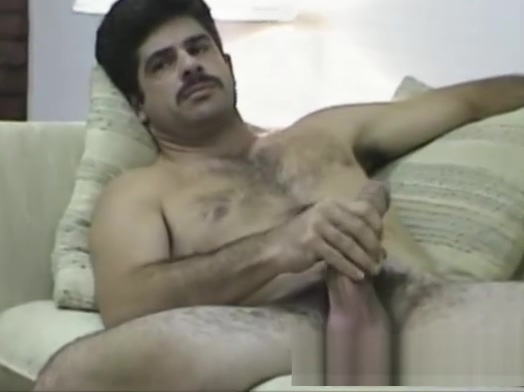 Mature Man Bobby Jacks Off Femal anal toys
