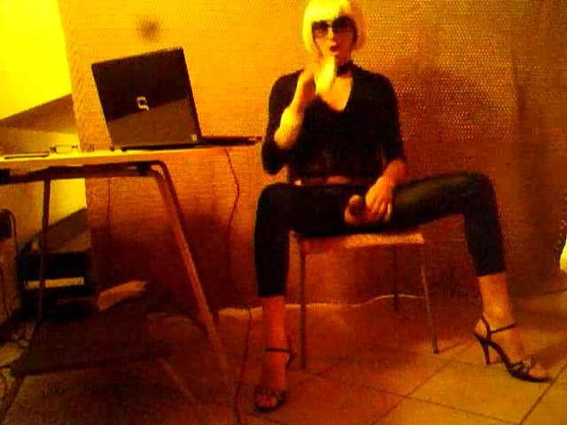 Super sexy Fabiana smoking thai teensex clip free