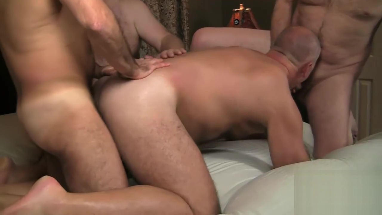 RAW FURRY 4-WAY Sex scenes in the wire