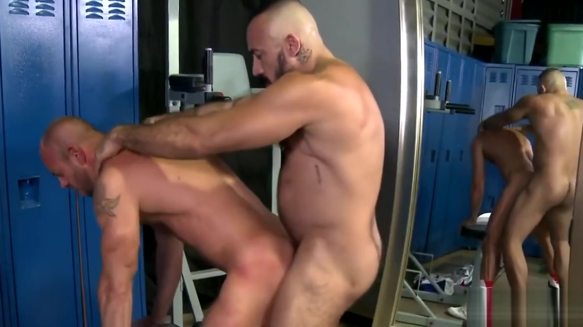 Gay fun in the locker room Intense lesbian session