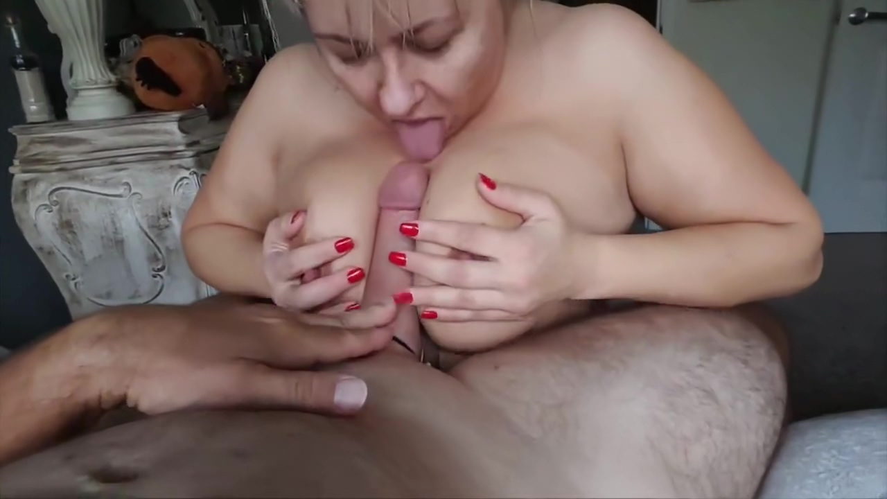 BBW MILF with a huge pair of tits Giving head Girl cow blowjob