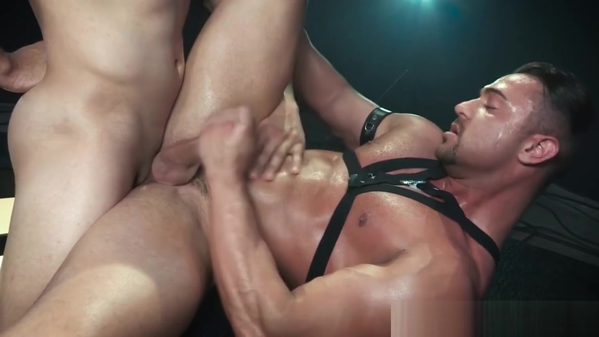 HotHouse Leather HUNKS Give A Sizzling Show great black dick hoax