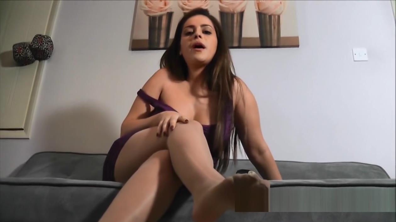 Jasmine in sheer pantyhose