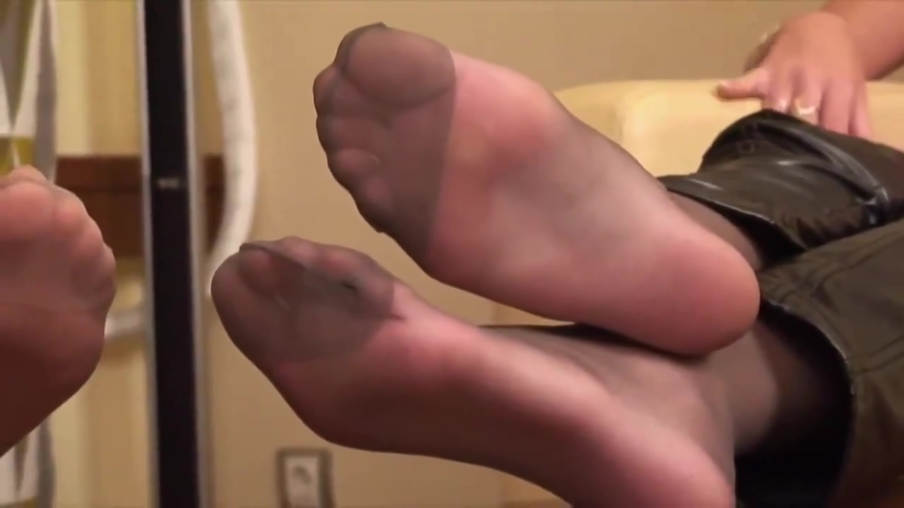 Two girls sexy feet and ignore fetish