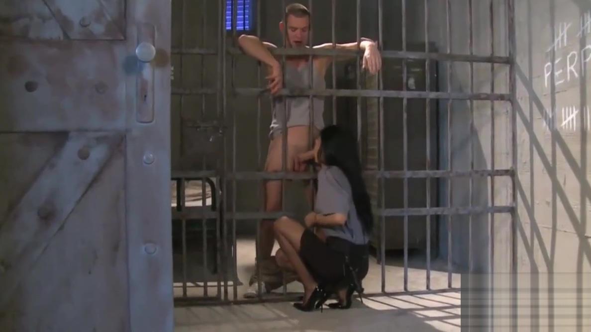Sofia Gucci e la prigione - voglia di cazzo balordo! Capcom morrigan hentai