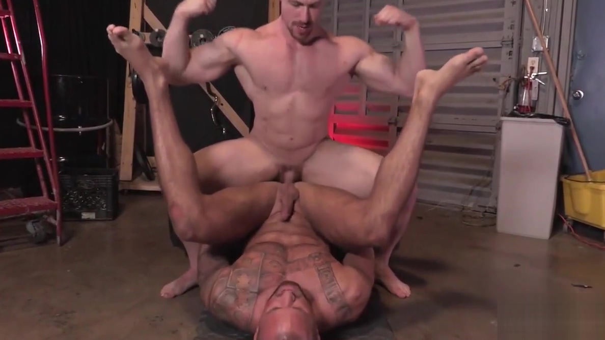 Military homos Michael Roman and Blake Hunter bang hard blow job sex video