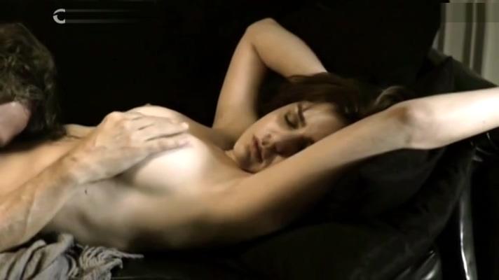 ROMINA RICCI MOSTRANDO LAS TETAS EN ESCENA DE SEXO EN REHeN DE ILUSIONES Mature adult tubes