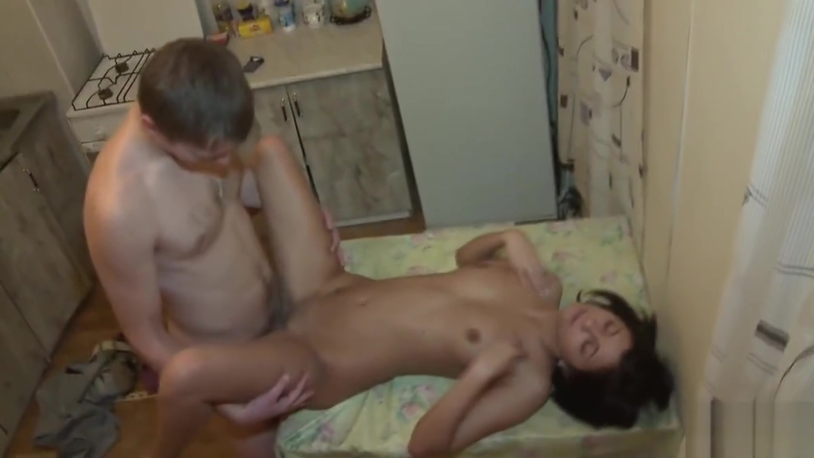 18 Videoz - Chinita - The fire of love warms them up I just feel lonely