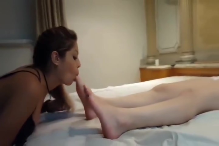 Private 5 Teen girls sucking cock live