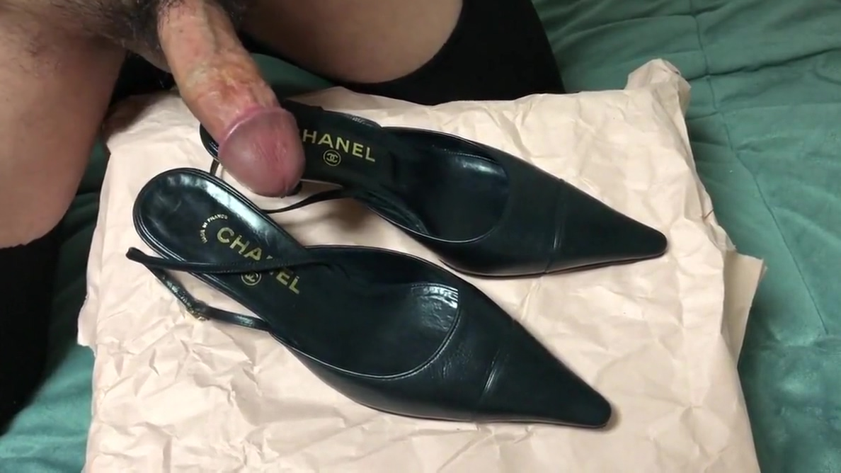 Cum in her shoes ! (Chanel black slingback heels) Sexy Blonde Teen Fingering Herself