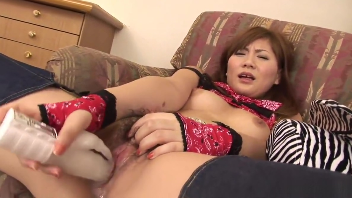 Brunette Asian cowgirl dildo fucks her wet pussy pie Lisa kudrow hot panties